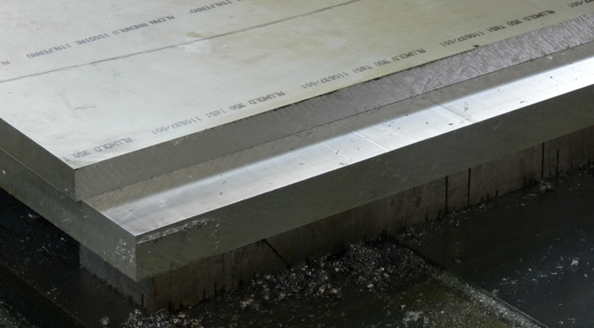 Thicknessed plate maximises yield with Accurates sawing service